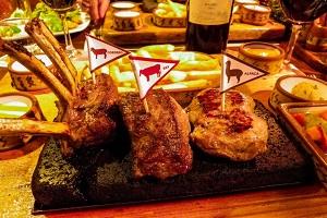 perou_voyage_independant_tourisme_toutperou_cuisine_gastronomie_peruvienne_viande_restaurant_arequipa_zig_zag